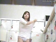 Il padre tende alla propria figlia a commettere vecchie lesbiche video gratis incesto