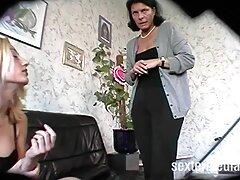 Sorella seduce dal fratello mentre i genitori sono nel cottage video vecchie lesbiche