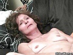 Lecca massaggiatrice figa immediatamente immerge un membro nella video porno lesbiche milf vagina