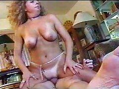 Devo video amatoriali lesbiche andare da un massaggiatore per un massaggio e sesso