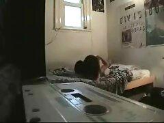 spogliarsi sexykiska mostrando il suo video lesbiche mature gratis fascino nella fotocamera, e il lavoro anale