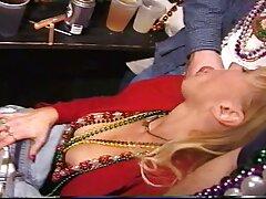 Masturbandosi nel video gratis vecchie lesbiche fallo collant e cumming
