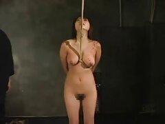 Succhiare porno video lesbiche mature e ottiene il cazzo nella vagina pelosa