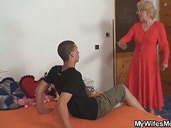 Moglie invita un amante mentre video anziane lesbiche il marito è in viaggio d'affari