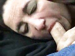 Servire video amatoriali italiani lesbiche due uomini in un bagno pubblico
