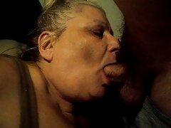 Bellissimo bambino che si mostra al video porno sesso tra donne pubblico al periscopio