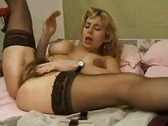 Si siede sul viso di uno schiavo e costretto a video porno lesbiche massaggi indossare lo strapon
