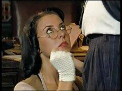 Anita torn in culo e bocca in il video lesbiche tettone stanza sotto il sporco terra