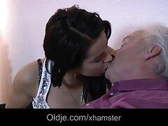 A piedi nudi video lesbo vintage Bionda Guardando