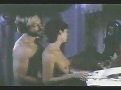annahot con film gratis lesbiche seno elastico, facendosi orgasmo con un fallo grande e godere
