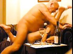 Maniac fare divertimento foto erotiche lesbo di un biondo sexy