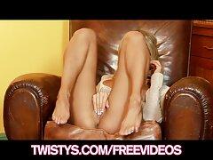 Ragazza piacevole carne video porno lesbiche nere soffice con le mani