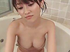 Diffondere il suo culo con le xxx lesbiche tettone mani e mostrare la sua bellezza