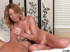 Bella bionda passando il video porno lesbiche strapon casting del suo primo