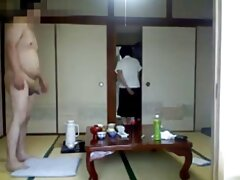 Un uomo con un video lesbiche amatoriali grande pene sbattuto un asiatico con un amico