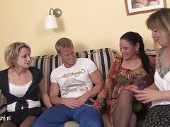 Due giovani hanno tenuto una festa di xxx vecchie lesbiche sesso in un appartamento