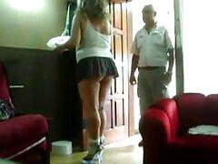 Ragazza procace catturato telecamera nascosta in un lesbiche erotiche bagno del campus