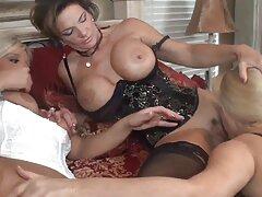 79. Il massaggio della zona porno lesbiche violente intima